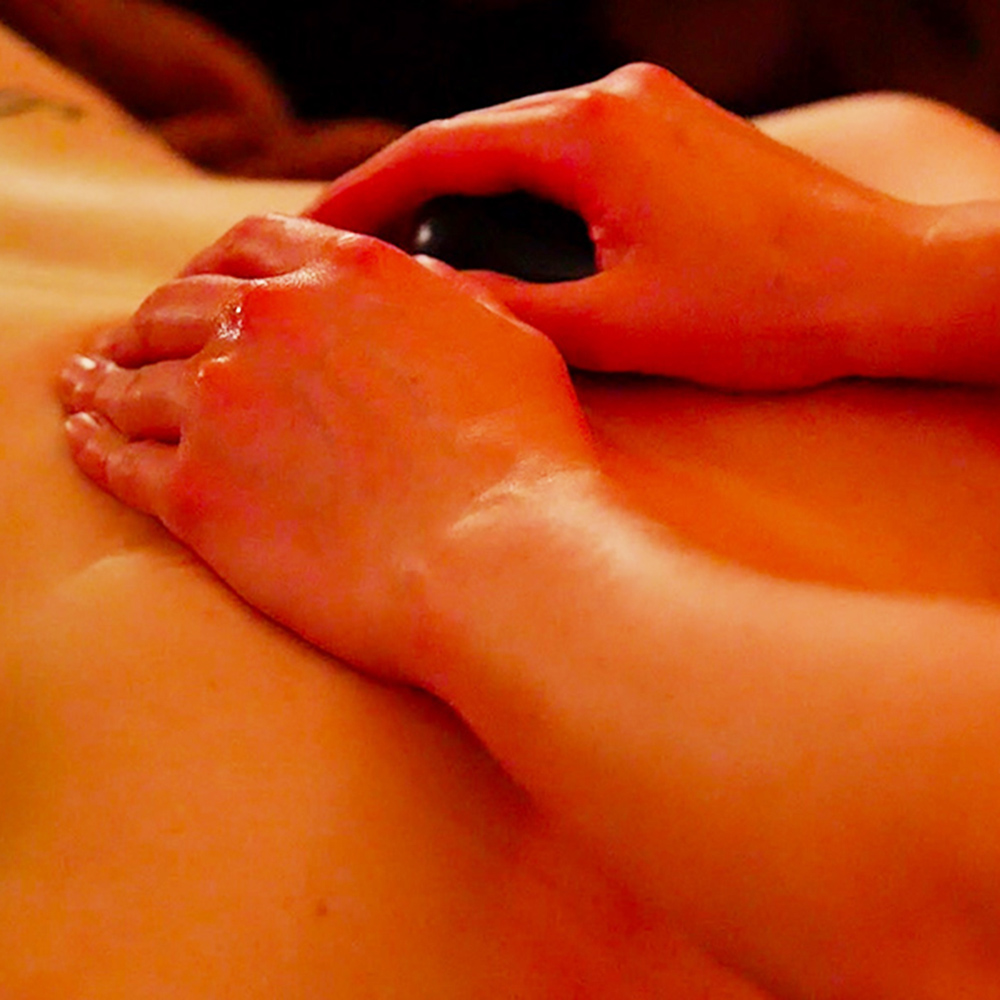 Hot Stones Deep Tissue Massage - Oxted Beauty Salon | Surrey